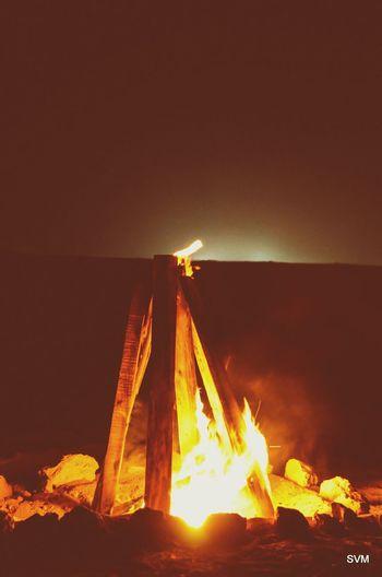 Sakhir. Bonfire Night Desert Friend Hanhing Out