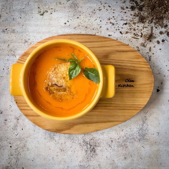 Soup Food And Drink High Angle View Food Freshness Bowl Healthy Eating Indoors  Directly Above Table No People Ready-to-eat Soup Bowl Vegetable Soup Close-up Tomato Soup Restaurant