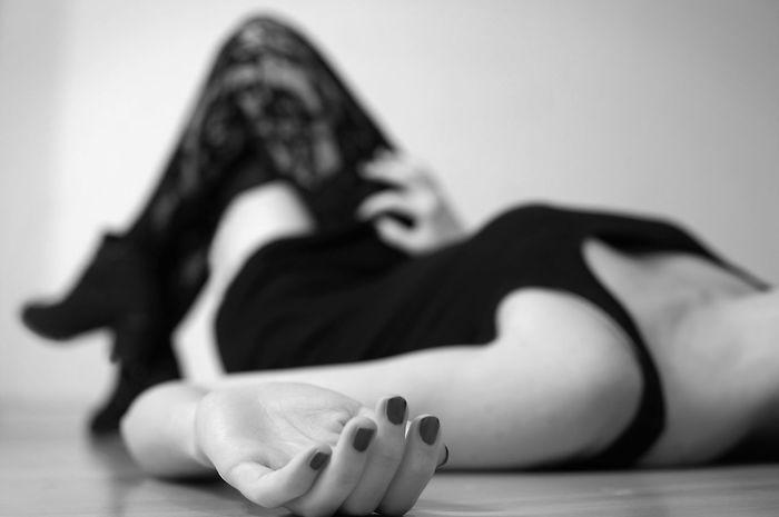 Adult Adult Black And White Black Dress Boots Erotic_model Erotisches Erotism Erotık Erótico Floor Lying Down Nailpolish One Person One Woman Only Sensualgirl Sexygirl Sexyselfie Shoe Tights