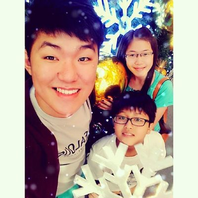 Santa Clause is coming to town. Christmas Celebration Klpavilion Santaclause cousin picoftheday instagramerst