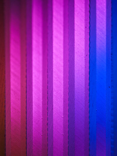 Glas, Farbspielerei, Lightpainting, Abstrakt, Lichtmalerei, Farbenspiel, Close-up, Nahaufnahme, Macro Backgrounds Close-up Indoors  Multi Colored Pink Color Purple Textured  iN A Row The Creative - 2018 EyeEm Awards