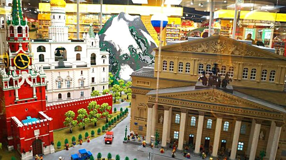 LEGO Bolshoi Theater Bolshoi Theatre Moscow Spasskaya Tower Art Is Everywhere The Graphic City