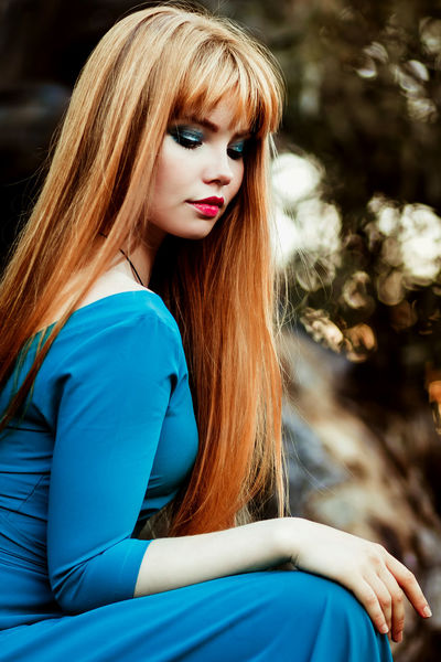 Beauty Beauty In Nature Blue Eyes Ginger Gingerhair Hair Haircolor Hairstyle Long Hair On A Tree Outdoor Photography Outdoors Photograpghy  Portrait Tree Tree_collection