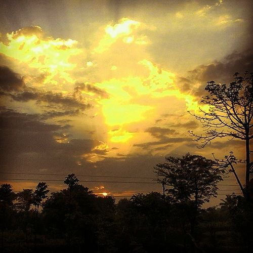 My_sunset Goldenclouds Beautifulsky Sun Nature Summer Skylovers Myvillage Repostingindia NgcOnAssignment _soi India Ig_india Seewhatotherscantsee Zenreflection Zenfone Ig_maharashtra Zenfoneglobal