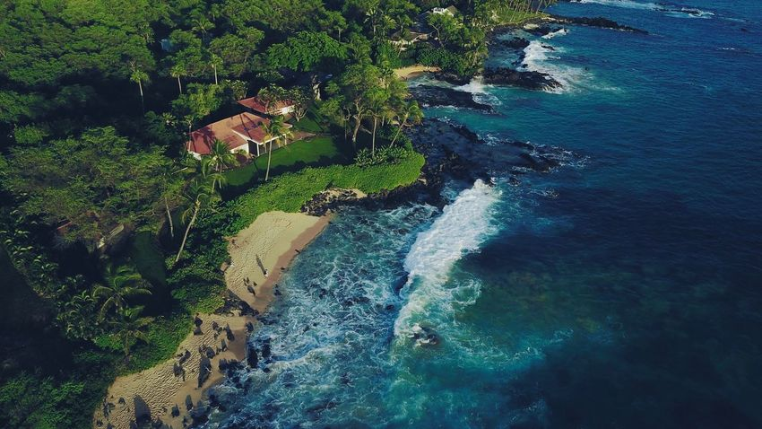 Lost In The Landscape Sea Water High Angle View Beach Built Structure Architecture Nature Tourist Resort Beauty In Nature Building Exterior Outdoors No People Tree Scenics Landscape Day Hawaii Beauty In Nature