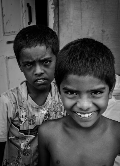 Realpeople Eyemphotography Check This Out! Mumbai Checkthisout HeyThere Streetphotography Portrait Blackandwhite Photography Stories Visualsoflife Children Cheeky Dramatic Thephotojournalist2015eyeemawards Thestreetphotographer2016eyeemawards Theportraitist-2016eyeemawards India Goodmorning :) Goodmorning EyeEm  Hanging Out Nikon D3200