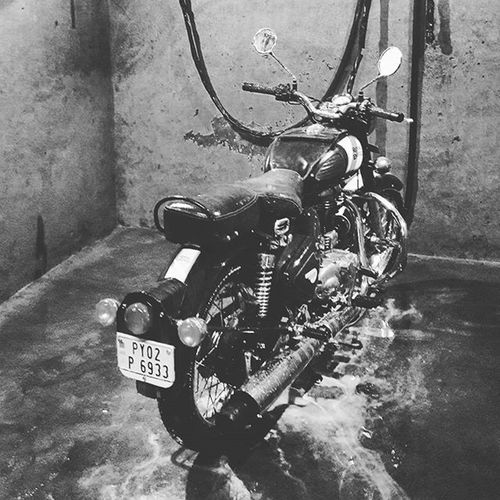 Royalenfield Classic500 Waterwash Polish Re Chennai Py02