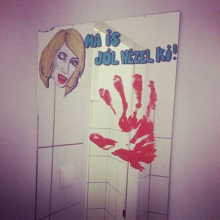 Truestory Mirror Egoism Youlookgood Toilet Today Maisjolnezelki