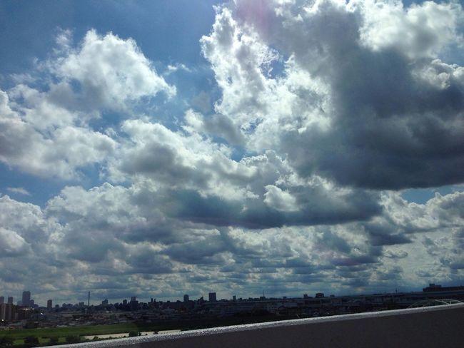 今日の空 / today's sky 今日もゲリラ雷雨がやって来る。The localized torrential rain is coming again today. Sky Clouds