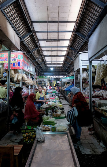 Traditional Market Pasar Gedhe Traditional Markets Solo,Indonesia Surakarta EyeEmNewHere INDONESIA Pasar Pasar Gedhe Pasar Tradisional Human Interest Supermarket City Market Store Business Retail  Built Structure For Sale Shop Price Tag