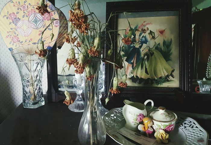 On The Shelf Victorian Style Antiques Dried Flowers Hand Fan Painting Rustic Charm Dried Flower Still Life Check This Out Taking Photos Vibrant Colors Home Is Where The Art Is Popular Still Life Photography Eyem And Getty Collection Looking At Things Eyem Market Eyem Gallery Android Photography Check This Out! Taking Photos Ecclectic Vintage Treasures Eyem Masterclass
