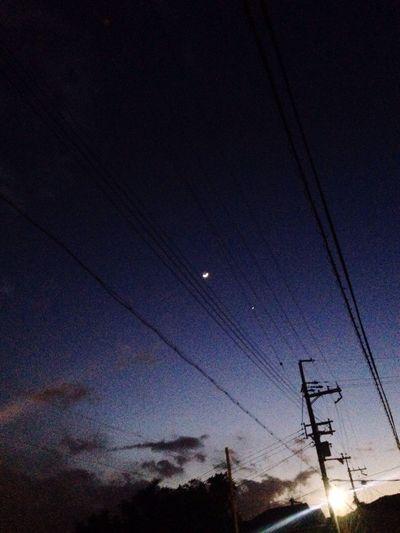 電線越しにほそーい月。 Cloud And Sky Moon Power Lines