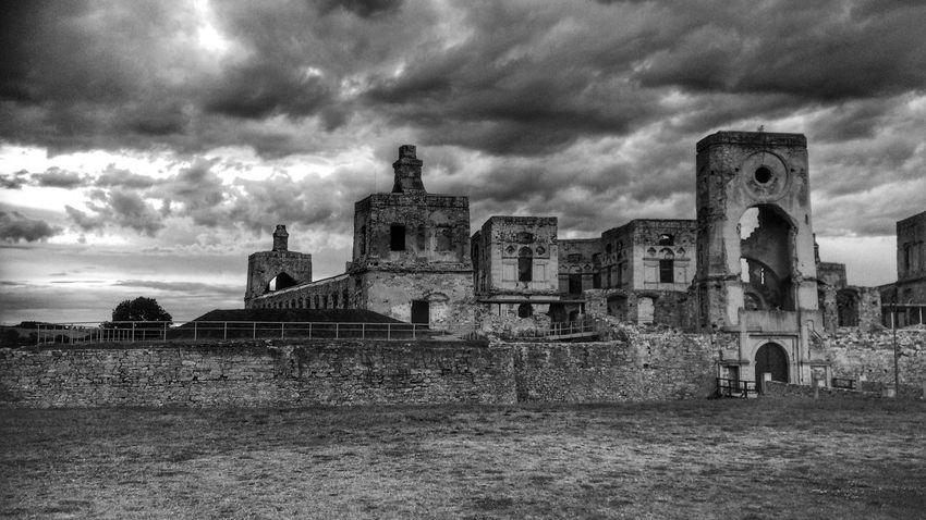 Krzyżtopór Castle Castle Castle Ruin Ruined Building B&w Blackandwhite Black & White Poland Ujazd Świętokrzyskie Darkness Black And White Friday