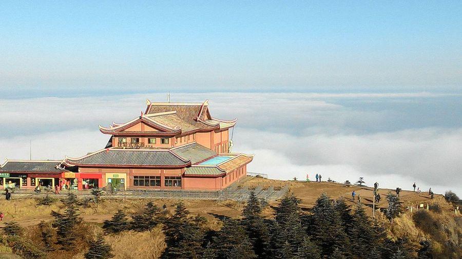 峨眉山 Cloud Sea (雲海) 峨眉山 Beach Sky Architecture