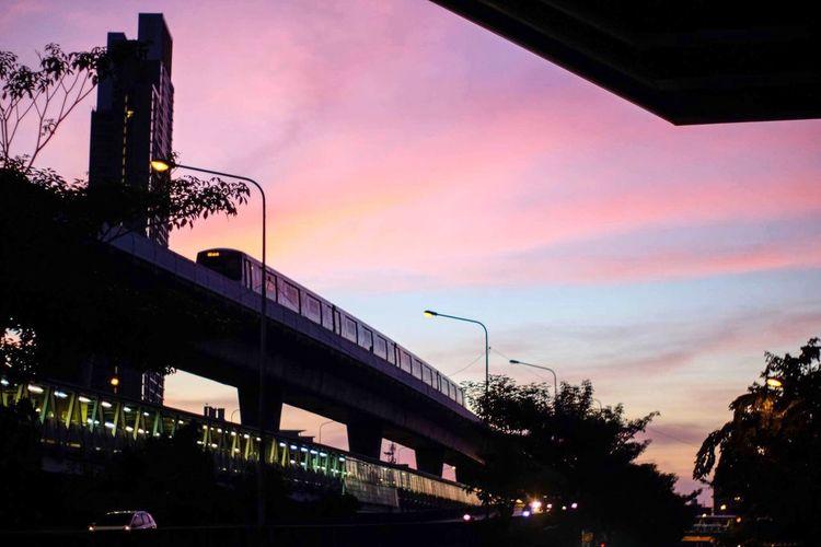 Pastel sky 💜🧡💙 Skyscraper Building BTS Beautiful Evening Sky Urban Cityscape City Outdoor Pastel Sky Sunset Built Structure Transportation Architecture Low Angle View Colour Your Horizn