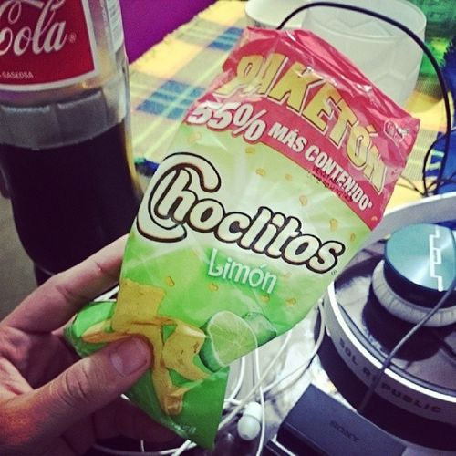Pues así como otros aman los doritos, yo amo los choclitos. Fin Choclitos Cocacola Pel ículas Nochededomingo