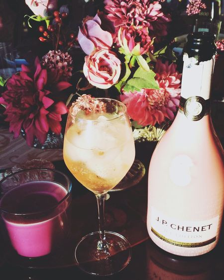 Iceedition J.P.CHENET Pink Flowers Ice Champagne Taste Lightly Aroma Good