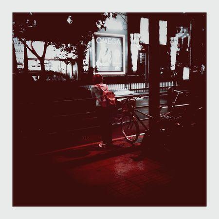 等你 Waiting City Street Citylife City View  City Life Shanghai, China PhonePhotography Steel Art Road Phone Photography VSCO Vignette Vignette Art CityLifeStyle 夜 Wait Phone Camera Night Night Photography Road Lines