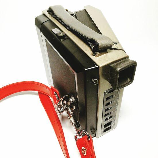 Busca tu propio estilo #retro #polaroid Elige la manera de llevar tu #cámara #camera #longstrap #nanodelarosa #review #nosvemosenlastiendas . Elige la opción que más se ajusta a tus necesidades #leather ? #whyNot Longstrap Polaroid Camera