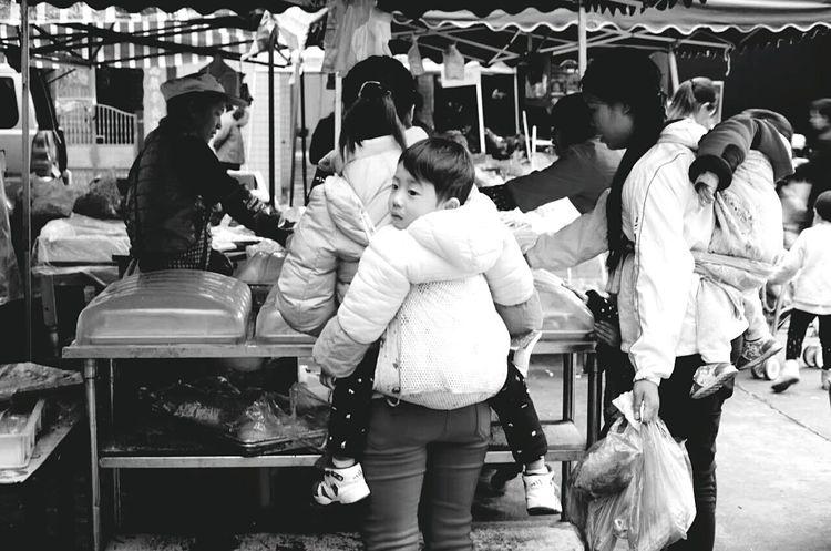 市井 Passing By Road Market Shed Selling Shot Local Market Eyeemphotography EyeEm Gallery Taking Photos