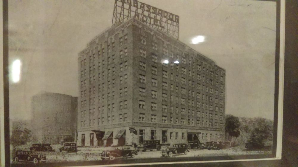 Deco memories... Art Deco Art Deco Architecture Serial Killer CannibalCorpse Marquette
