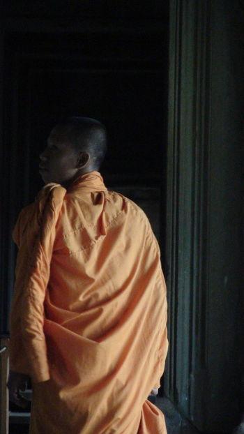 Bhuddist Angkor Wat Bhuddhism Cambodia Close-up Contemplation Leisure Activity Monk  Orange Robes Sightseeing