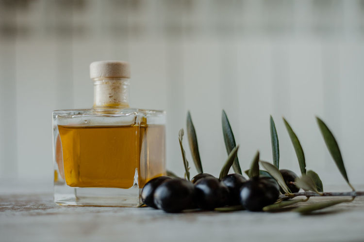 Bottle Olive Olives Olive Oil Mediterranean Food Mediterranean  Healthy Eating Healthy Lifestyle Bio Juice Oil Pump Omega 3 Fruit Lifestyles Food And Drink Food Table Still Life Wellbeing Close-up Indoors  No People Freshness Container