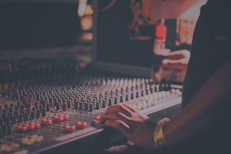 Entertainment Show Concert Music Gear Sound Edit Human Hand Hand Sound Mixer Sound Recording Equipment Technology Music Audio Equipment Studio Recording Studio Control Mixing Adjusting