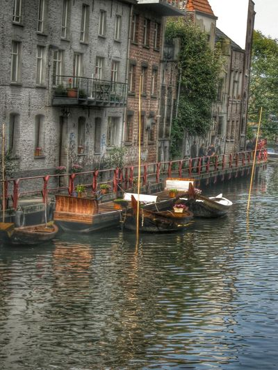 Myhdrworld Architecture GENT-BELGIUM Lovelynatureshots Water Reflections Buildings River View Boats⛵️