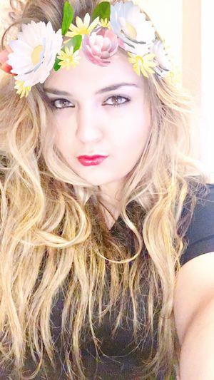 I love this filter Snapchat Snapchat Me Snapchat? Snapchat Selfies Add Me On KIK Add Me On Snapchat Add Me On Instagram Add Me On Facebook  Twitter Flower Crown Latina Its A Latin Thing Latinas Do It Better ❤✌ Latina Women