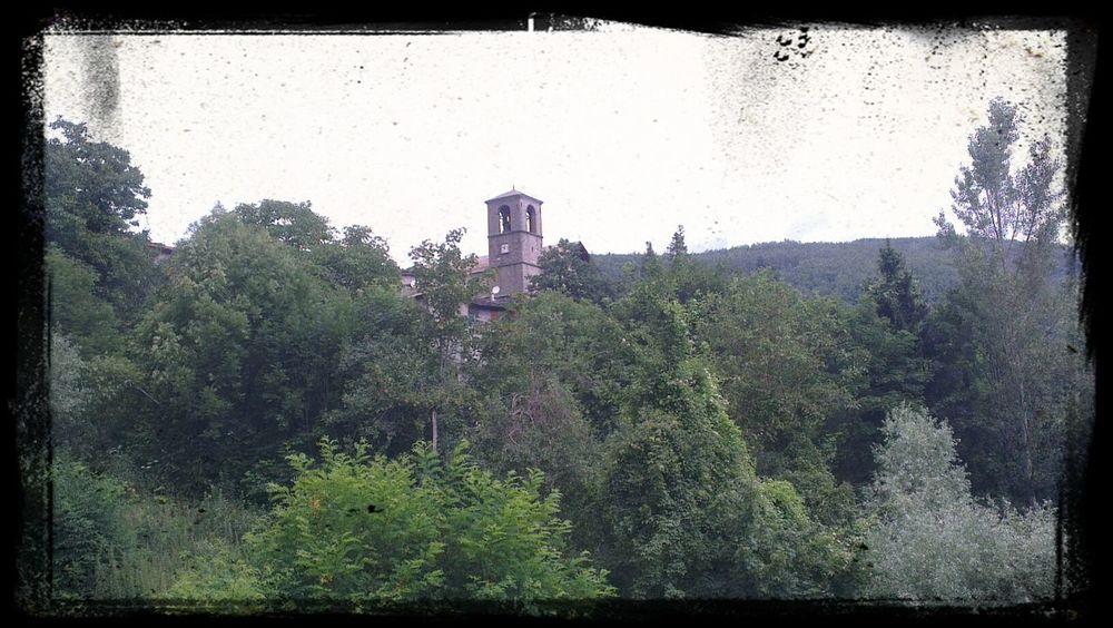 nel mezzo dell'Appennino Tosco-Emiliano c'è il paradiso... l'uomo però lo ha chiamato Cerreto Alpi Foto By Ulk Foto Italiane Mountain Landscape knock knock in the heaven doors...