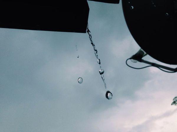 Beauty in Rain🌧💧 Rain Raindrops Rainy Days Droplets Cold Eyeem Philippines EyeEm Best Shots The Great Outdoors - 2016 EyeEm Awards Eyeem Photography EyeEm Cagayan De Oro VSCO Vscocam Mobilephotography Eyeem CDO