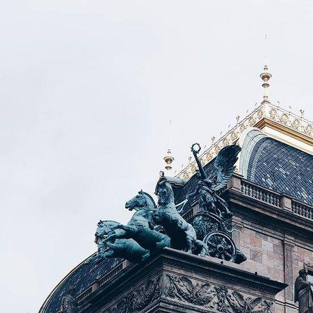◀⏪🐎⏩▶ Nationaltheatre Architecture Praha Prague Statue Horses Archilovers VSCO Vscocam Igers Igerscz Picoftheday Photooftheday Urban Instagood Instamood Instadaily City