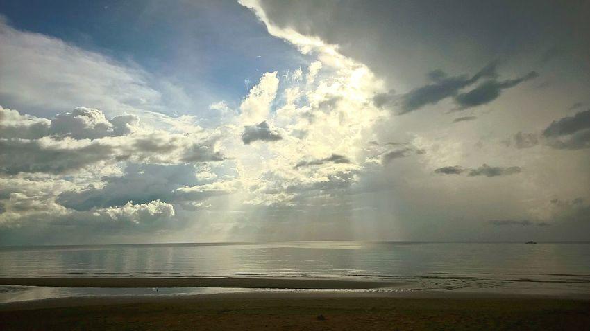 Clear Sky Clear Skies Clear Day Sea Sea And Sky Seaside Seascape Sea_collection Beach Beachphotography Sunrays Clear Clouds