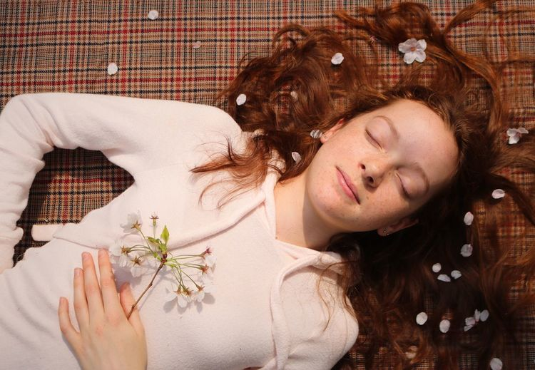 Redhead With Blossoms Lying Down Young Adult Young Women Relaxation Leisure Activity One Person Lifestyles Lying On Back Portrait Women Hair Hairstyle Beautiful Woman Directly Above Outside Holding Blossom Petals Sleeping Sleeping Beauty Eyes Closed  Smiling Tranquility Calm Spirituality Redhead Red Hair Ginger Ginger Hair Redheadgirl Beautiful Alone Time Alone Springtime Spring Flowers Freckles Portrait Of A Woman Human Hand Peaceful Cherry Blossoms Cherry Blossom My Best Photo British Culture