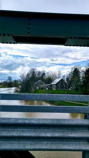 Photo prise le 6 mai 2017 en Ontario PhotosophLav Printemps 🌼 Mes Photos Photo♡ Bridge - Man Made Structure Cloud - Sky Water Bleu Sky Ontario, Canada Architecture