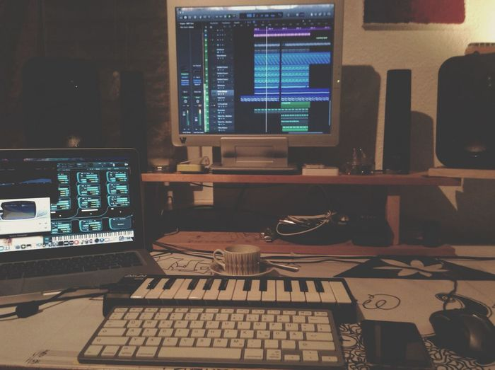 Nothing's better than an espresso in a late night studio session Green Berlin Producerclub Edm