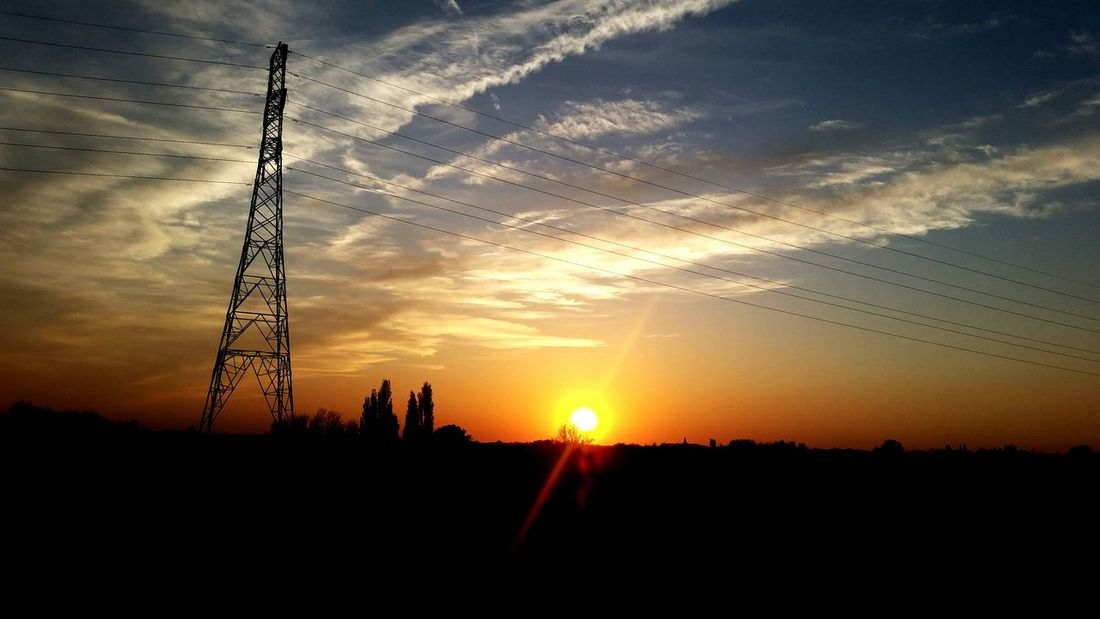 I love this time of the day. Relaxing Sunset Making My Mark Taking Photos Silhouette Pure Moment Hello World Uk England Sunset Silhouettes Tree And Sky Leigh No Filter, No Edit, Just Photography Right Place Right Time Enjoying Life Late Night Pylon