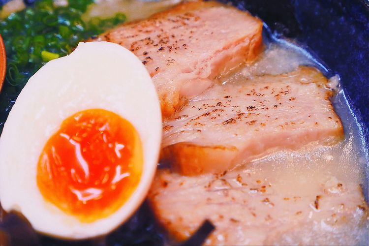 Food And Drink Food Freshness Plate Healthy Eating Ready-to-eat Serving Size No People SLICE Seafood Close-up Meat Indoors  Fried Egg Egg Yolk Day Japanese Food