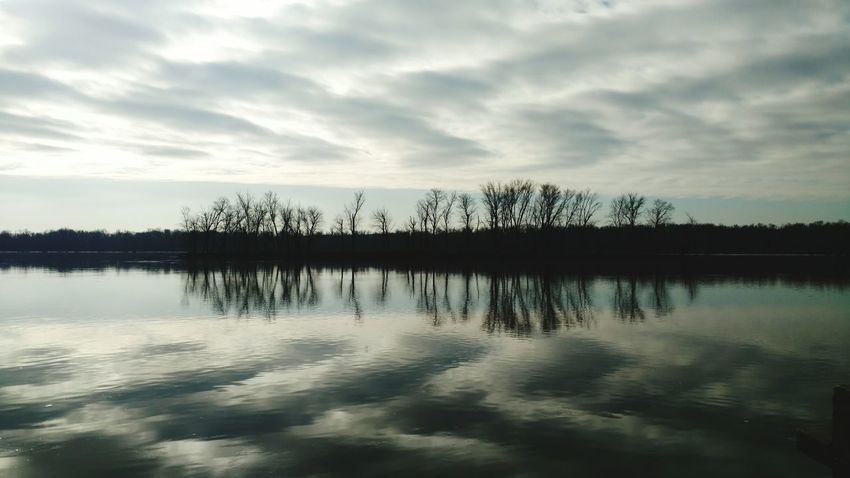 Check This Out Relaxing Majestic Tranquil Scene Sky Scenics Taking Photos Rural Living Reflections Mississippiriver Cloud - Sky No People Beauty In Nature Tranquility Cheveron
