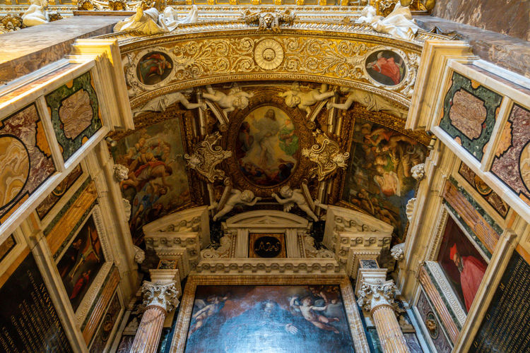 Architecture Low Angle View Travel Destinations Mural Place Of Worship History Religion Belief Indoors  The Past Art And Craft Built Structure No People Day Spirituality Fresco Human Representation Ceiling Government Ornate Architectural Column Angel
