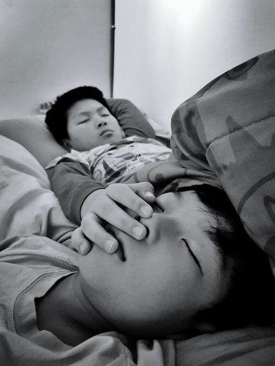 Lifestyles Real People Brotherhood Sleeping Twobrothers Comfy And Cozy Roomies Sleepyhead Black & White Blackandwhite Photography Bnw_captures Bnw_collection Indoors
