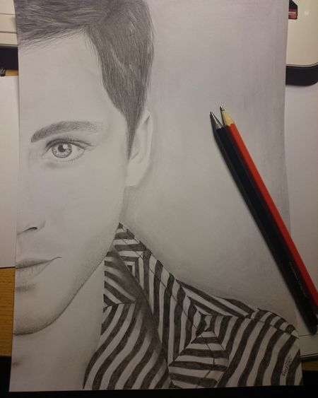 Drawing Draw Passion Love Byme Logan Lerman Late Night Happy