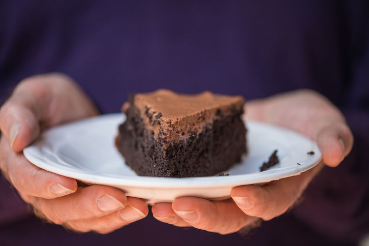 Chocolate cake! Breakfast Chocolate Cholula Close-up Cropped Dessert Dessert Dessert Porn Focus On Foreground Food Freshness Holding Human Finger Indulgence Indulgencetime Lifestyles Part Of Person Personal Perspective Ready-to-eat Selective Focus Snack Sweet Food Temptation Unrecognizable Person
