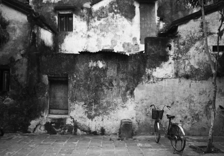 conner in Hoi An, Vietnam Architecture Bicycle Black & White Built Structure Content Lifestyles Outdoors The Architech - 2016 Eyeem Awards
