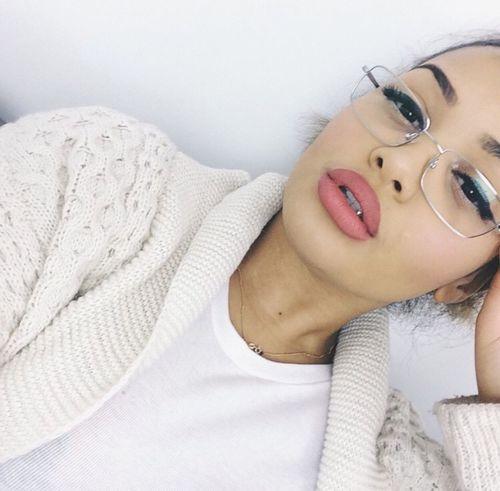 Selfie Model Aesthetics Gorgeous Urban Fashion Glasses Makeup Matte Lipstick Fashion