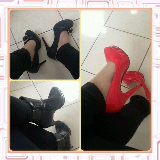 Ardua scelta oggi. Quale metto?? 😂👑👠👡 Shoes Tacchi  Questions Picoftheday Decoltè Decoltè Femme Femminilità Femminity Rouge Noir Photooftheday Scelta Top Stivaletti Chanel Bulgari Dior