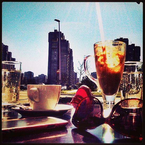 Jutro from d Blok :))) Cezarcafe Blok62 Beograd Novibeograd morningkafica coffee coffeetime caffeine turskakafa domaćakafa nescafe amazingday perfectmorning friends girls friday petak jeeeee gettoned Sun Sunny sunce suncanje sky bluesky mylife