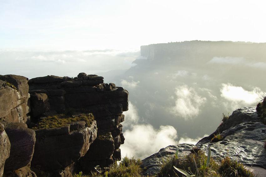 Mount Roraima - Venezuela Canaima Table Mountain Venezuela Cliff Cloud - Sky Mountain Roraima Tepuy