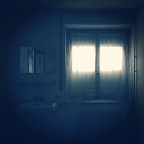 Light And Shadow Miror IPhoneography Abandoned Places Abandoned Window Indoors  No People Home Interior Day Architecture